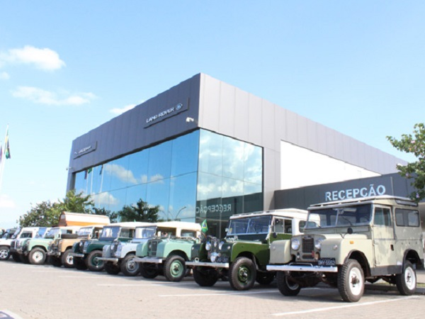 Enthusiasts show Brazilian colleagues what it means to be a Land Rover owner
