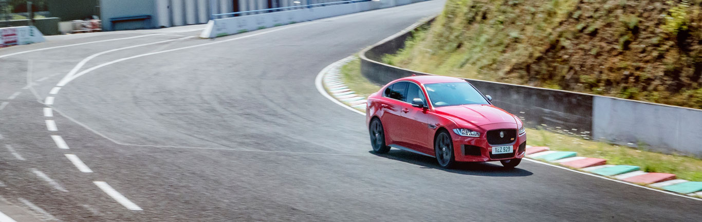 Jaguar XE 300 Sport sets unique lap record at France's Nürburgring