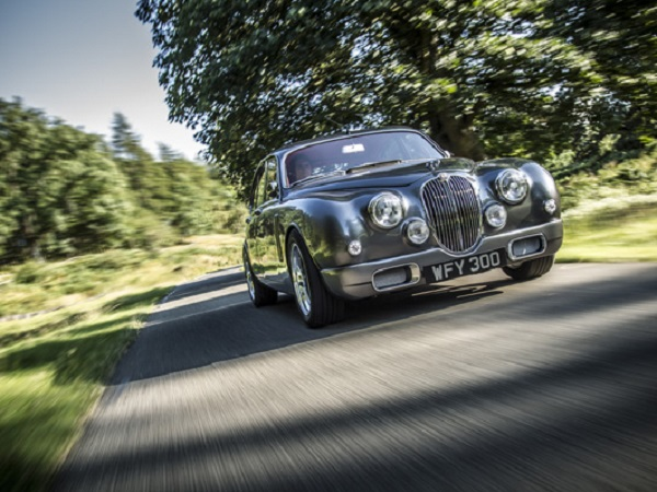 Germany celebrates Discovery and Mark 2's anniversaries at classic car show
