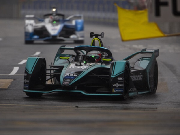 Mitch Evans fights back to secure vital points after a challenging weekend in Hong Kong