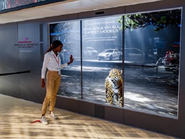 Jaguar focuses on electric mobility at the Frankfurt Motor Show