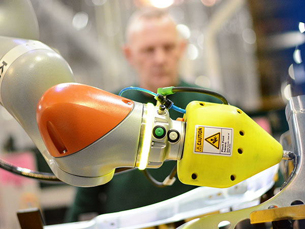 Cobots - A Jaguar Land Rover First at Castle Bromwich