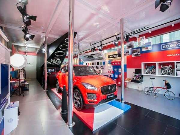 Jaguar E-PACE is at the heart of China fashion pop-up store
