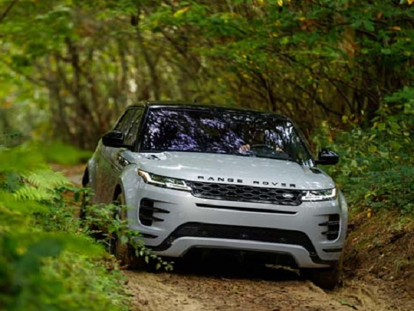 Reach any destination in comfort and elegance with the Evoque