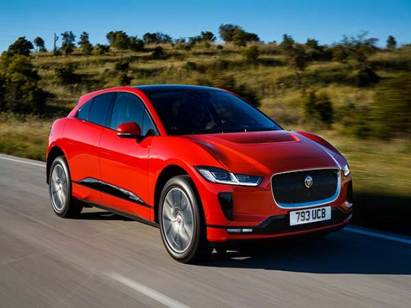 Spain explores mobility options with the Jaguar I-PACE Club