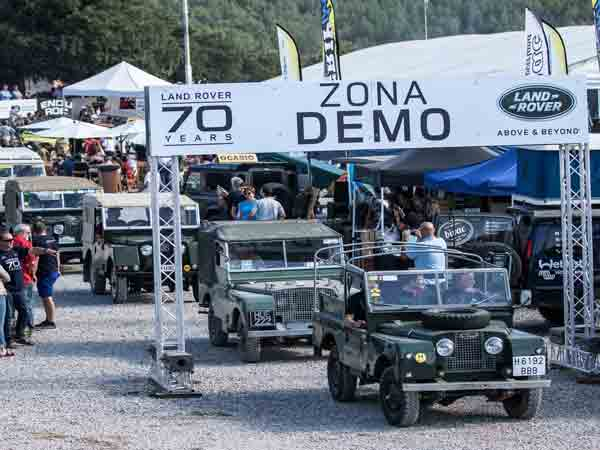 Land Rover fans celebrate 70th anniversary in Spain