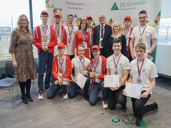 Slovakia's 4x4 technology challenge winners secure world finals place