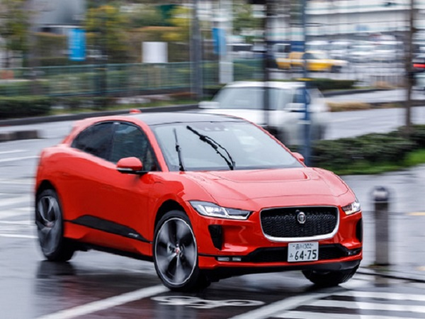 Japan's media take to Yokohama to test the Jaguar I-PACE
