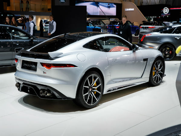 New Graphic Pack gives the F-TYPE SVR a brawnier look