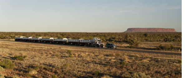 Land Rover Discovery Tows 110-Tonne Road Train across Australian Outback
