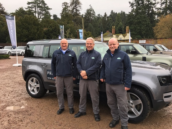 RETAILER TRAINING WITH THE NEW DEFENDER AT EASTNOR