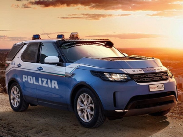 Italian State Police selects the Discovery as its patrol vehicle of choice