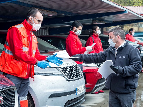 LAND ROVER SUPPORTS RED CROSS RELIEF EFFORTS
