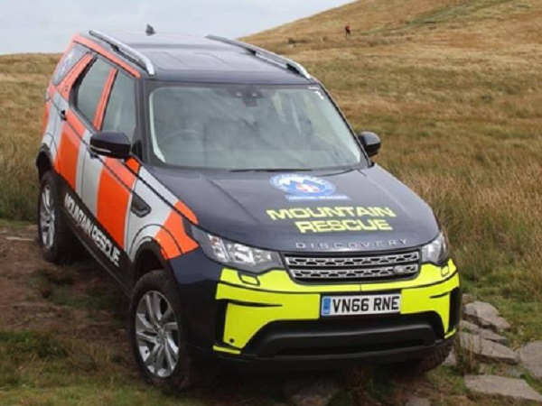 Land Rover Discovery comes to the salvation of Welsh mountain rescue team