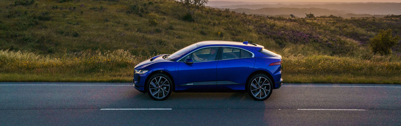 Jaguar I-PACE claims AM's 2019 New Car of the Year award