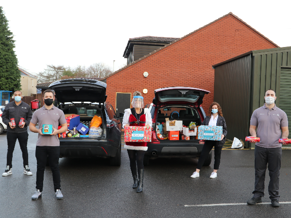 JAGUAR LAND ROVER EMPLOYEES DONATE CHRISTMAS FOOD TO VULNERABLE FAMILIES