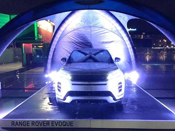 Evoque steals the limelight at two premiere German fashion events