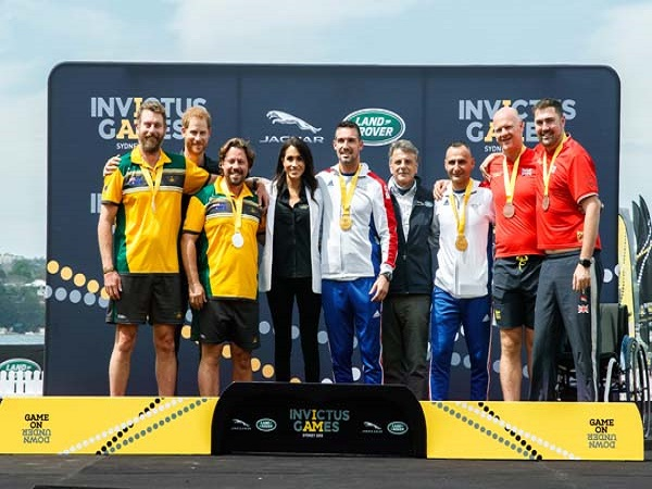 Duke and Duchess of Sussex present first medals of the Invictus Games Sydney 2018 games
