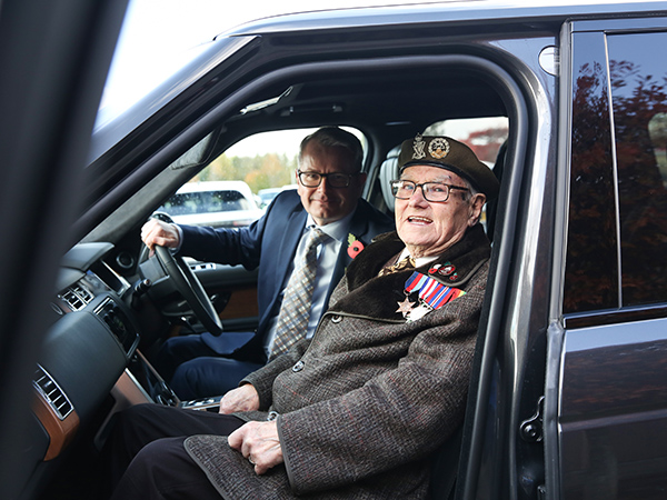 JAGUAR LAND ROVER'S ARMED FORCES COMMUNITY GIVE D-DAY VETERANS THE VIP EXPERIENCE
