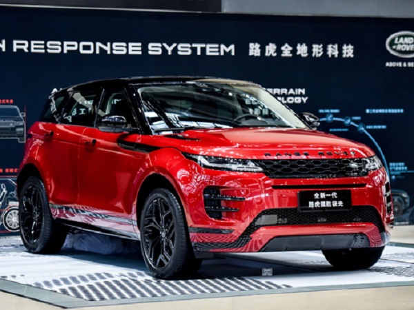 New Evoque draws all the attention at the Hong Kong and Macau Motor Show