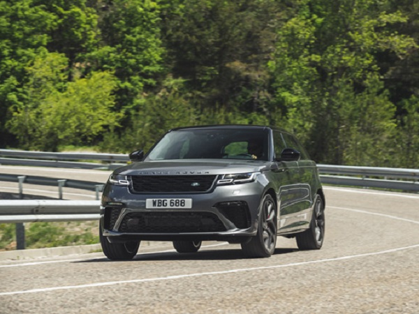 World's media get their first taste of the Velar SVAutobiography Dynamic Edition