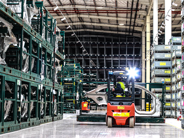 EARLY MILESTONE SEES LOGISTICS OPERATIONS CENTRE BEGIN TO SUPPORT SOLIHUL PRODUCTION