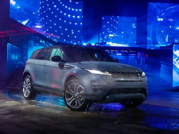 Watch the global reveal of the new Range Rover Evoque