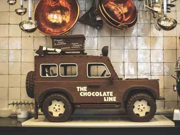Zoute Grand Prix immortalises Land Rover in chocolate