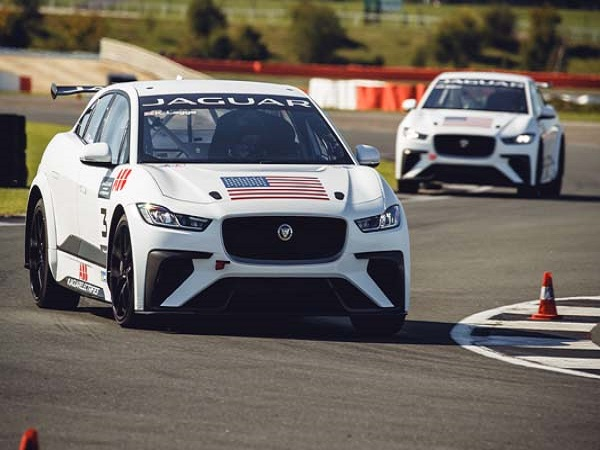 First Jaguar I-PACE eTrophy drivers receive new cars ahead of season opener