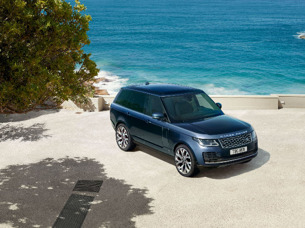 RANGE ROVER AND RANGE ROVER SPORT: NEW SPECIAL-EDITION MODELS AND STRAIGHT-SIX MILD-HYBRID DIESEL