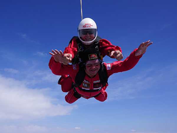 Steve 'Froggy' Gaut Falls 13,000ft With The Army's Elite Display Team