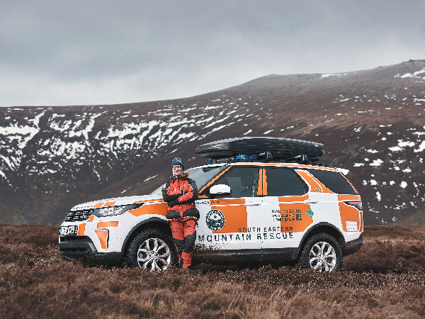ENGINEERED TO SERVE: LAND ROVER DISCOVERY SUPPORTS LANDMARK RESCUE AS MOUNTAINS REOPEN