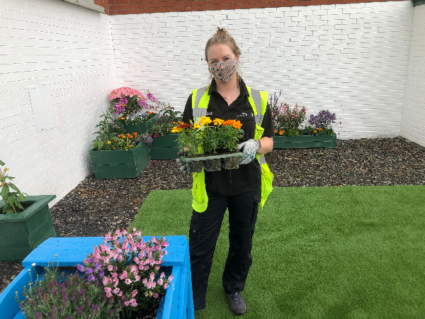 GRAND DESIGNS: SWAPPING MECHANICS FOR MARIGOLDS AT WORK!
