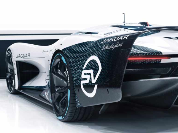 INTRODUCING THE JAGUAR VISION GRAN TURISMO SV: THE ULTIMATE ALL-ELECTRIC GAMING ENDURANCE RACER