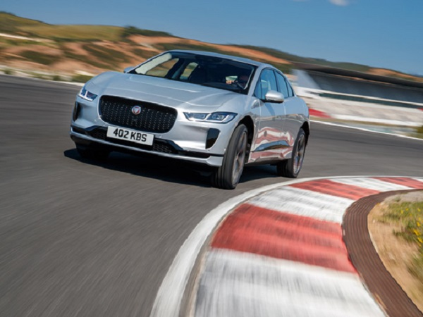 Jaguar I-PACE scoops elEconomista's Electric Car of the Year award