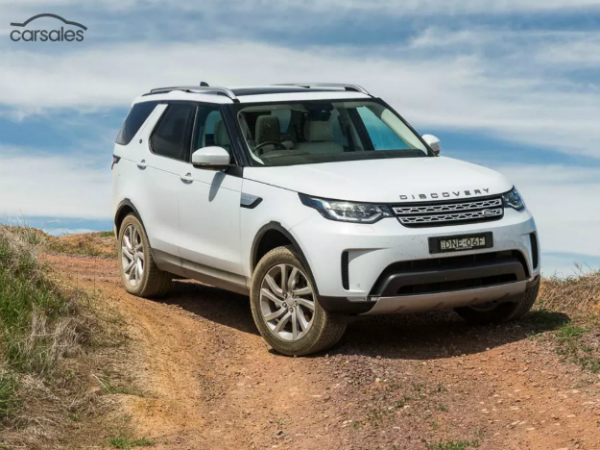 Land Rover Discovery wins 2017 carsales Car of the Year Award