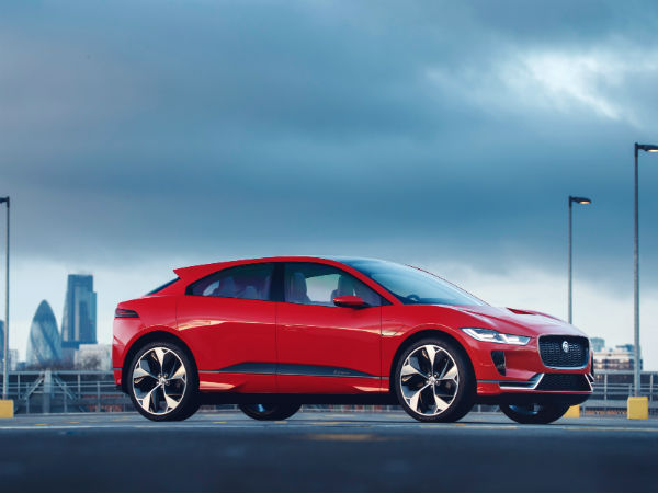 Jaguar Land Rover Celebrates an Award-Winning Week