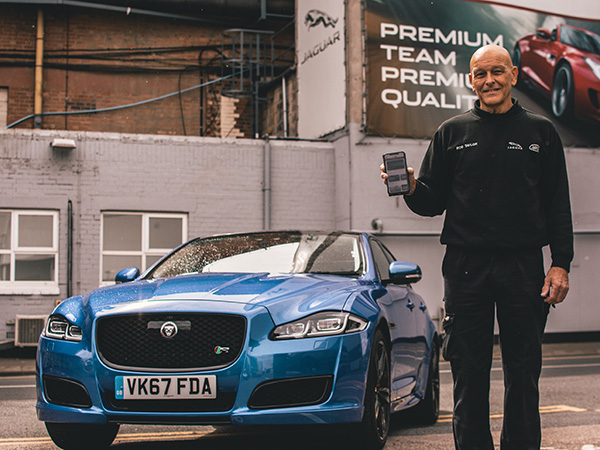 The Jaguar XJR575 Gets Our Winner's Seal Of App-roval
